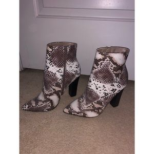 Windsor Store Snake print booties